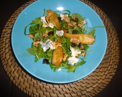 pear-and-blue-cheese-salad